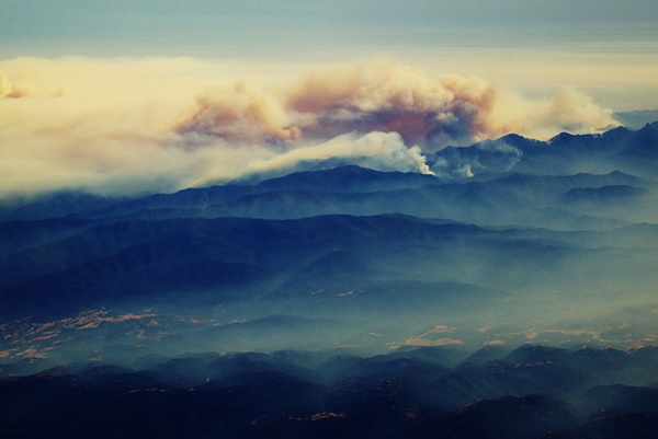 forest-fire-from-an-airplane-big-sur-california-11