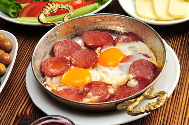 sucuklu-yumurta-s