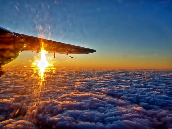 sunset-from-an-airplane-window-03