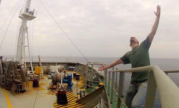 Dünyayı Dev Kargo Gemileriyle Gezmenin Gizli Keyfi