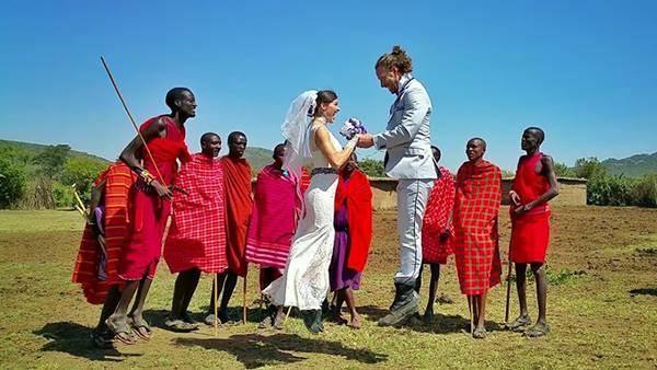 weddingcouple-wedding-around-the-world-travel-cheetah-rhiann-10
