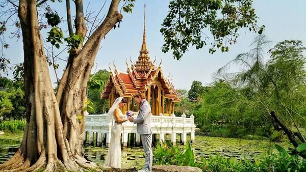 weddingcouple-wedding-around-the-world-travel-cheetah-rhiann-3