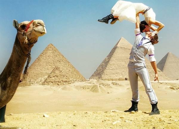 weddingcouple-wedding-around-the-world-travel-cheetah-rhiann-39