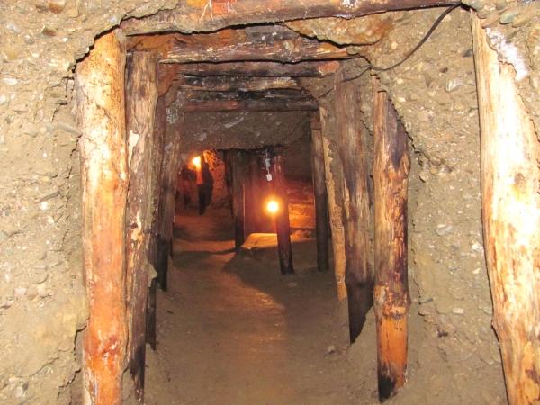 bosna piramitleri yeralti