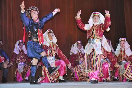 23-nisan-folklors