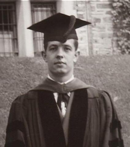 20-yasindayken-hem-lisans-hem-de-yuksek-lisans-diplomasini-aldı-listelist1