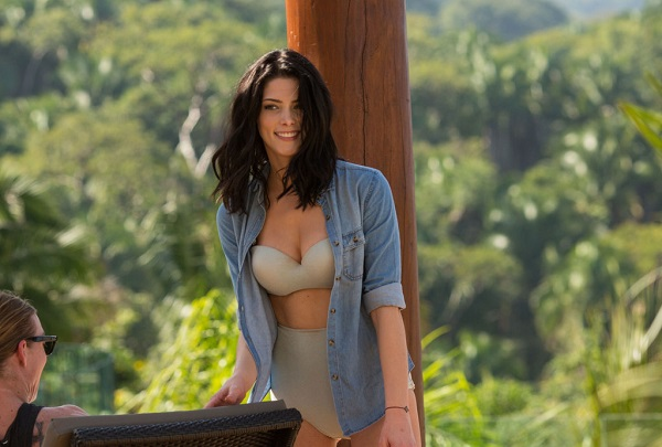 Ashley-Greene-Bikini-Pictures-Mexico