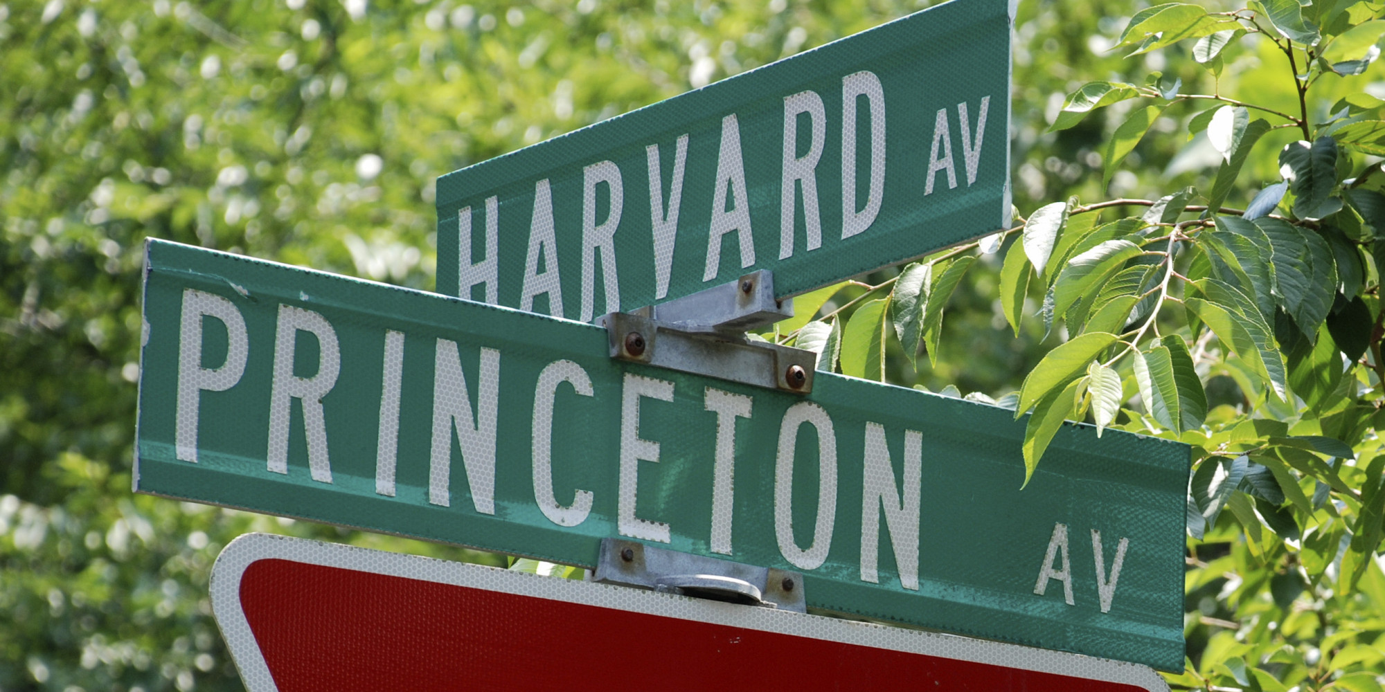 Sign of Harvard and Princeton Ave