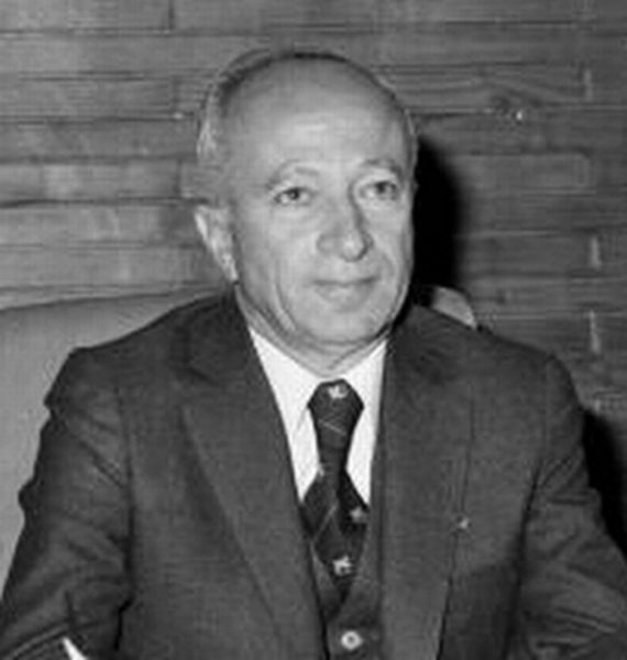 18) BÜLENT ULUSU (1923- )