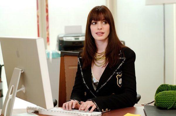 Anne-Hathaway-Fashion-Devil-Wears-Prada-Pictures