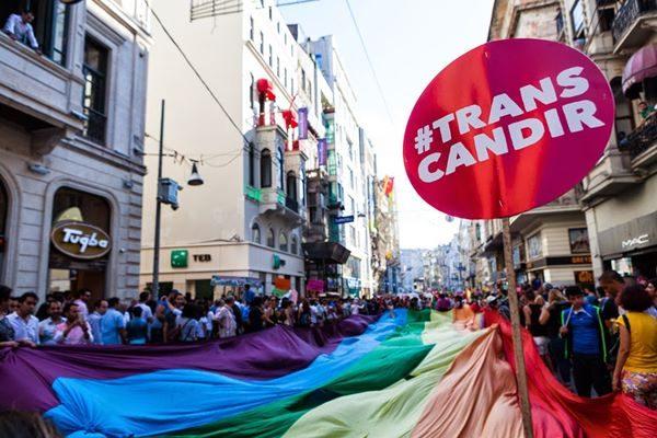 ayrimcilik-yapan-homofobik-ya-da-transfobik-doktorlar-tarafindan-tedavileri-reddedilebiliyor-listelist-listelist