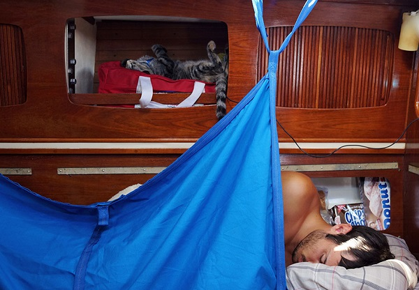 couple-sells-everything-travels-world-cat-matt-jessica-johnson-8