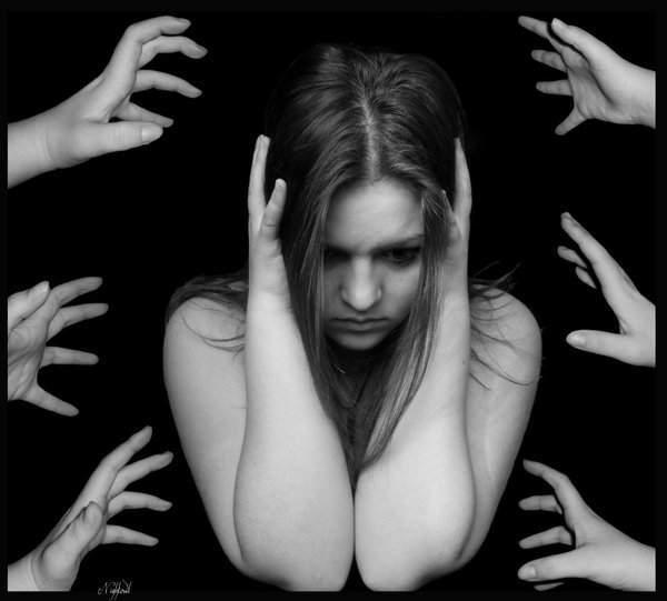 kizlik-zarini-yitirme-korkusu-vajinismus-yapabilir-listelist