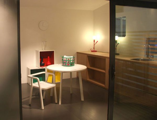 tiny-house-on-user-desire-dining-table