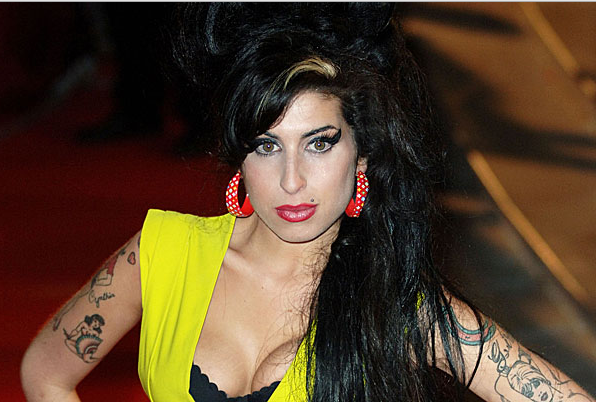 amy-winehouse-sari