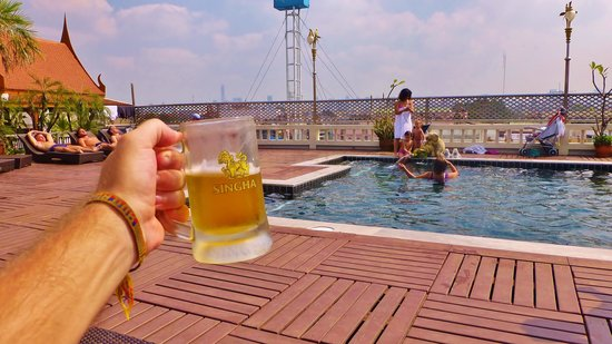 beer-by-the-pool