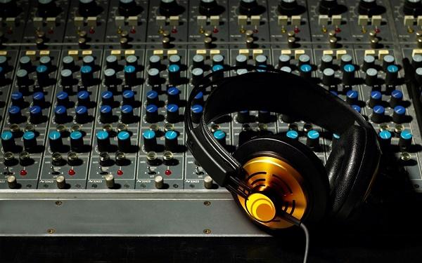 elektronik-muzik-aletleri