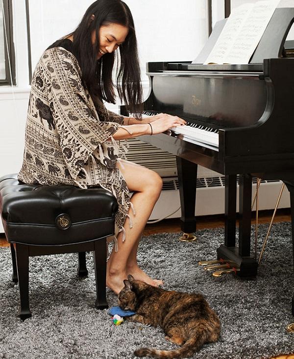 kedili piyano