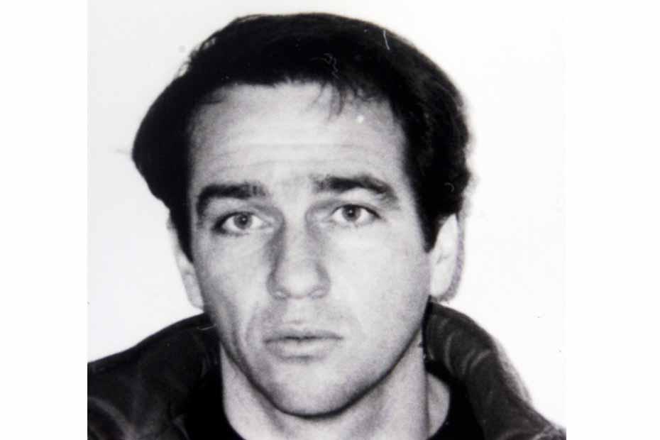 © PHOTOPQR/LE DAUPHINE LIBERE/M. PASCUAL RICHERENCHES( Vaucluse) le 9 mai 2003.  Ce matin, a l'aube , les forces de l'ordre sont intervenues dans un gite pour apprehender quatre individus dangereux, qui s'etaient evader de la prison de Luynes pres d'Aix en Provence PHOTO DE Pascal PAYET