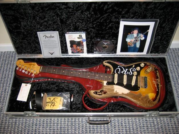 Bonus_SRV_Stratocaster_Gitar