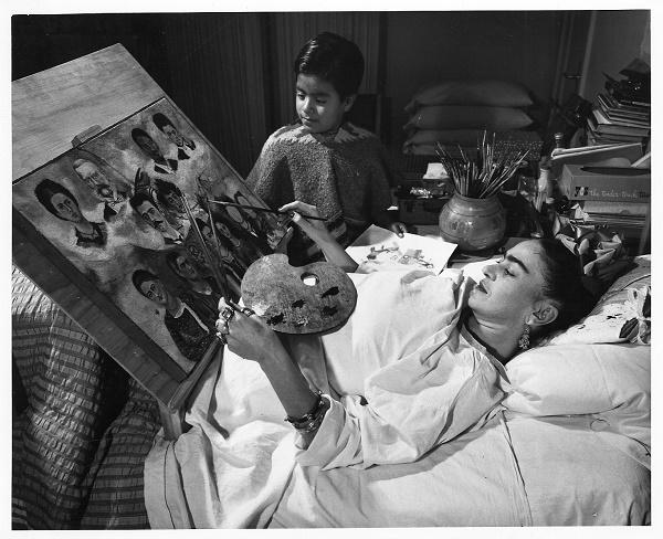 Frida-Kahlo-bed