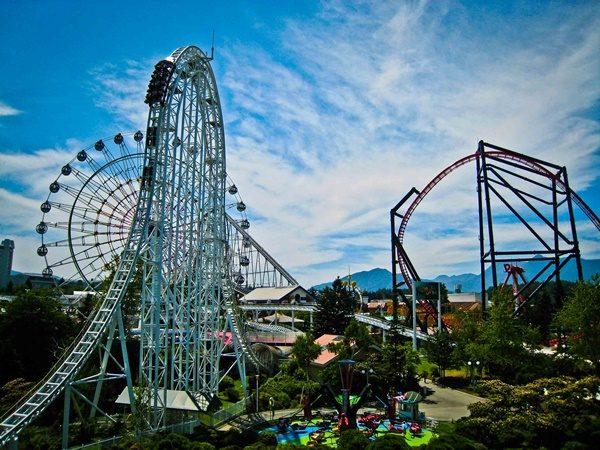 Fuji-Q-Highland-Roller-Coaster-listelist