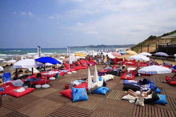aman-dalgalara-dikkat-burc-beach-listelist (1)