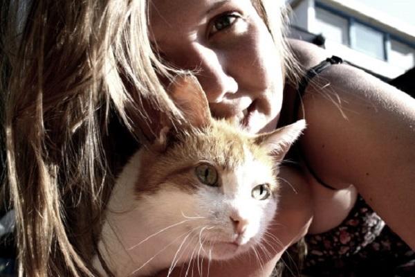 kedileri-seven-kadinlar-huzur