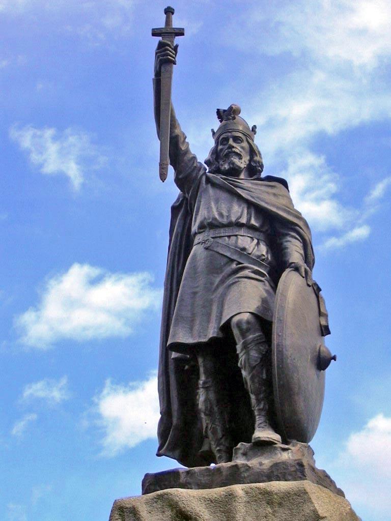 king-arthur-statue