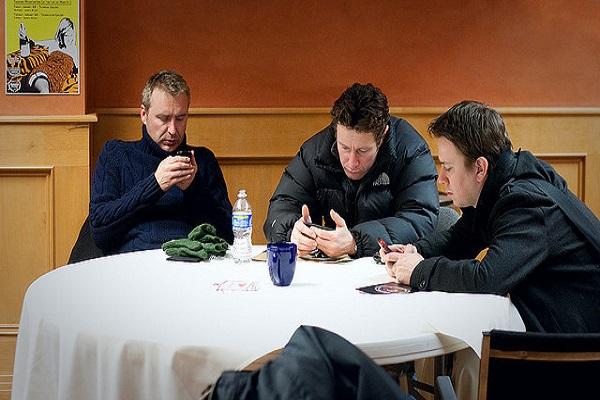masada-oturan-adamlar-listelist