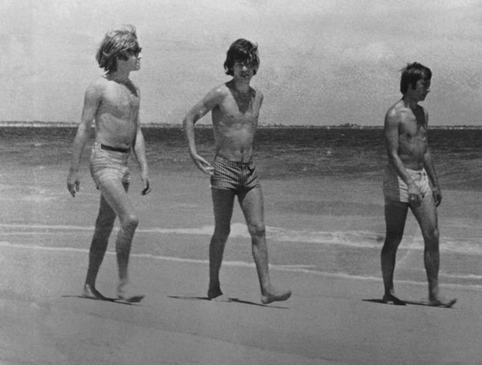 the-rolling-stones-beach