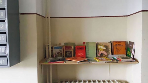 The-neighbours-library-or-how-to-promote