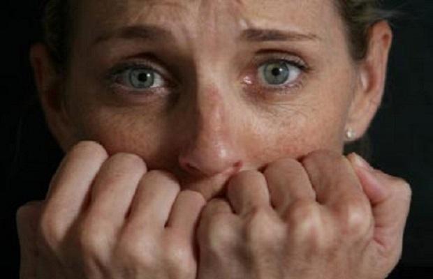 anxiety-cause-underarm-sweat-1