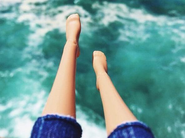 barbie su ayakalar
