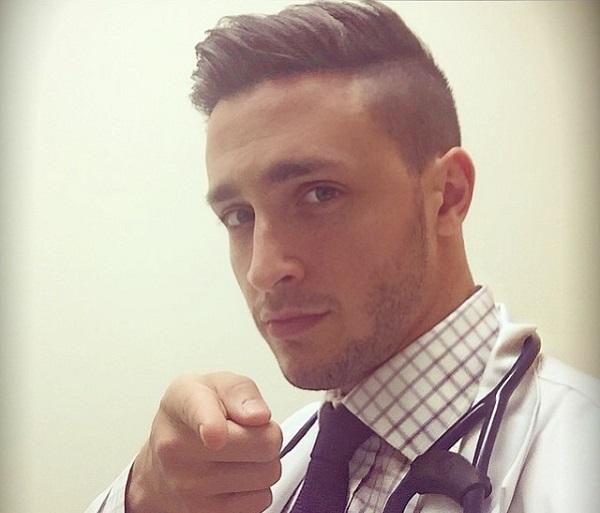 hot-doctor-husky-mike-8 doktor