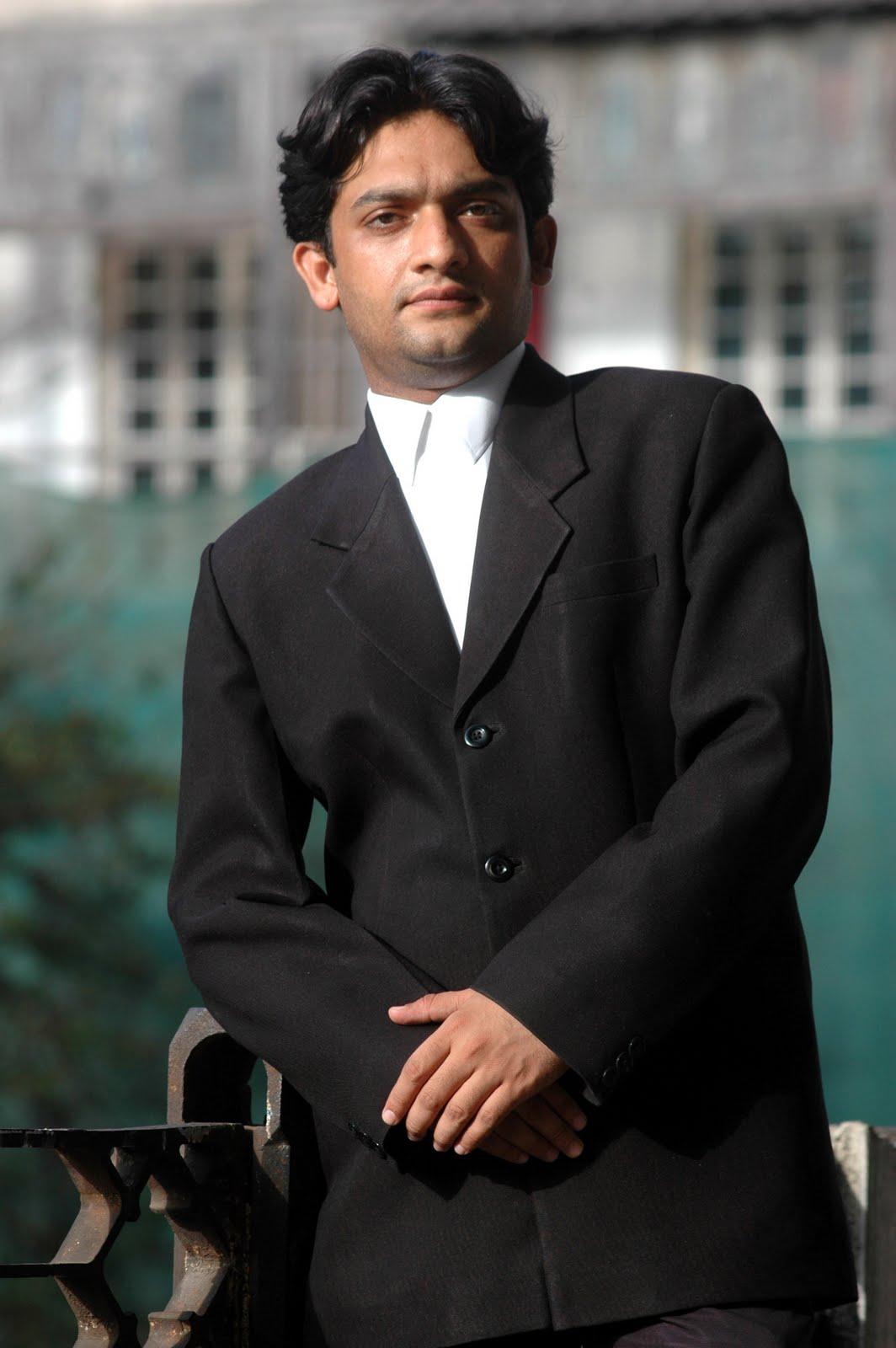 Mumbai Mirror--19 April 2006  Advt. Shahid Azmi near his office Photo--Deepak Turbhekar