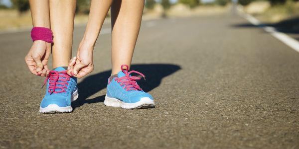 spor-ayakkabisi-mavi