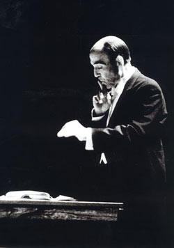 istanbul-sehir-orkestrasi-nin-ilk-adimlari-da-cemal-resit-rey-sayesinde-atildi-listelist