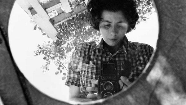kesfedilmemis-bir-fotografci-finding-vivian-maier-listelist