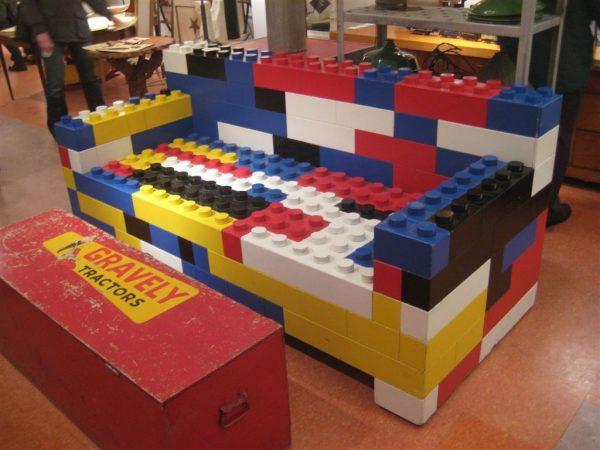 lego-furniture-sofa