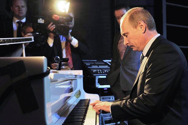 putin-piyanist-duygusal