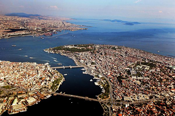 """This aerial view taken in Istanbul on April 30, 2008 shows the historical peninsula (R), the Asian one (in the background back) and the Pera side (L) of Istanbul.  Turkish Prime Minister Recep Tayyip Erdogan on August 13, 2011 announced Istanbul's bid to host 2020 summer Games.""""We are here today to declare the world our candidacy for 2020 Olympic Games, which we consider extremely important for our country and people,"""" Erdogan said here in his televised remarks. AFP PHOTO / MUSTAFA OZER"""