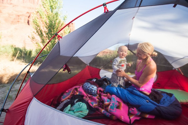 three-moms-take-their-kids-on-epic-wildernes