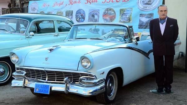 kentmen1956-model-ford-fairline-marka-ustu-acik-arabasini-cani-gibi-sever-hatta-elinde-bezle-dolasip-habire-temizlerdi-listelist
