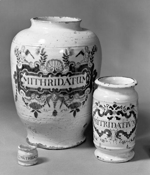 M0020082 3 Drug jars for Mithridatum.