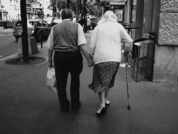 Old-People-In-Love-1