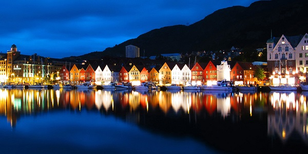 adventures-by-disney-europe-norway-hero-10-bryggen-waterfront