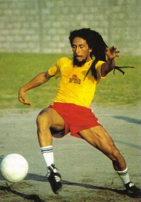 ah-be-kaptan-bob-tutku-derecesinde-sevdigi-futbolu-oynarken-yaralanan-ayak-basparmagi-enfeksiyon-listelist