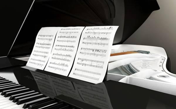 ayla4. Piyano Çalarak Başlayan Müzik Yaşamı