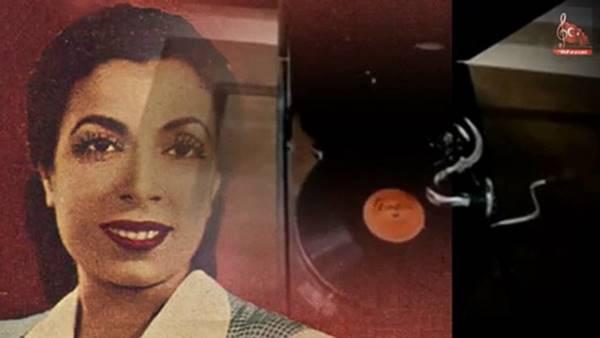 ayla5. Siyah Önlüklü Şarkıcı